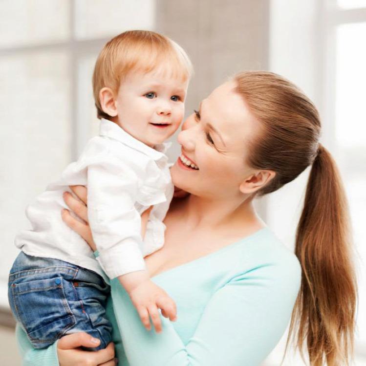 anyaság gyereknevelés