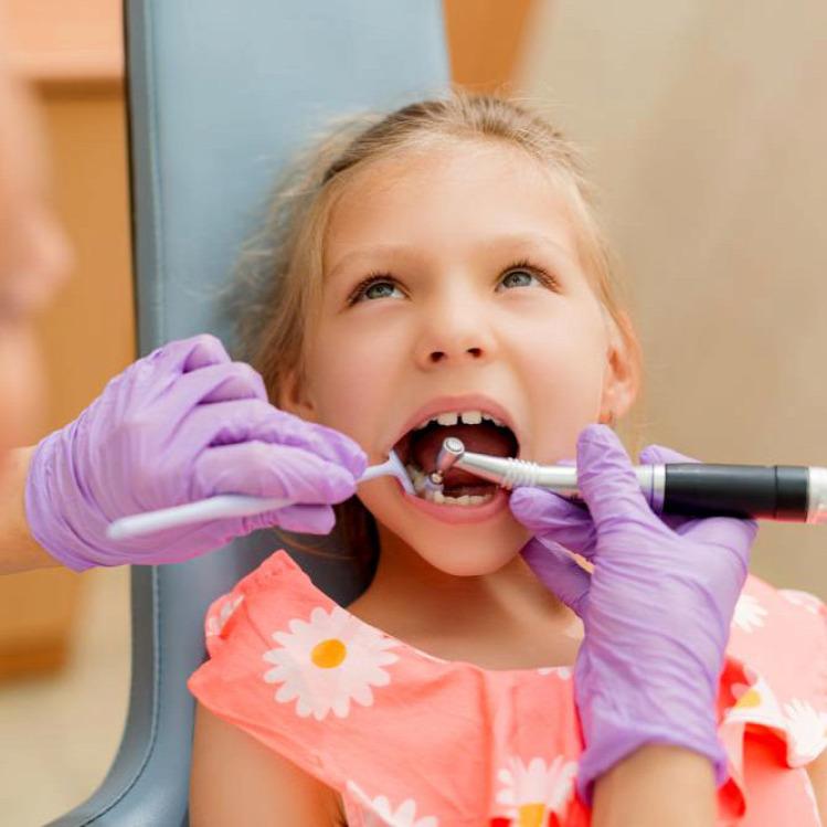 Tünde fogszabályzó fogszabályzás fogorvos