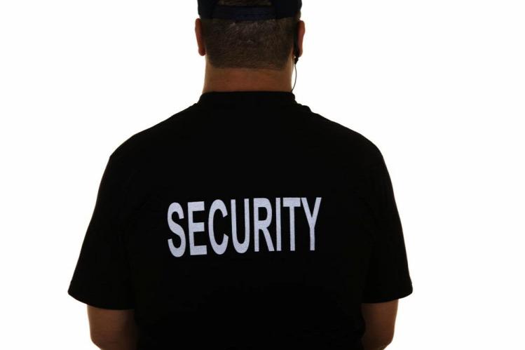 6c6aea8eee Elzavarták a biztonsági őrök a bevásárlóközpontban szoptató kismamákat