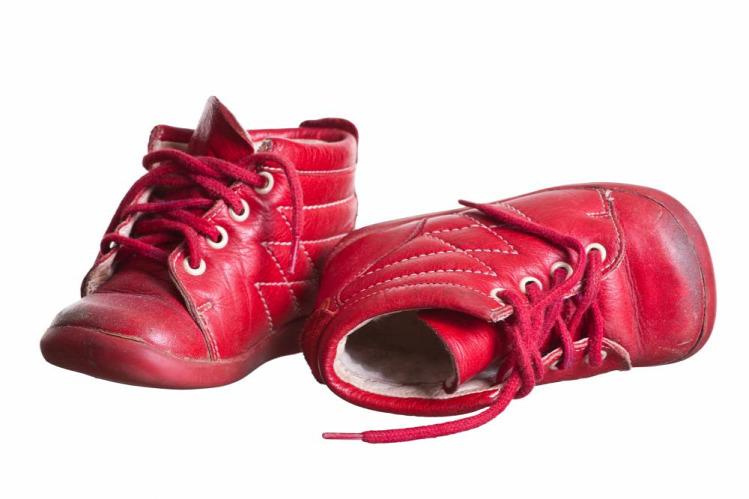 Ne adj használt cipőt a kisgyerekre! - Bezzeganya 5c3fd39b1f