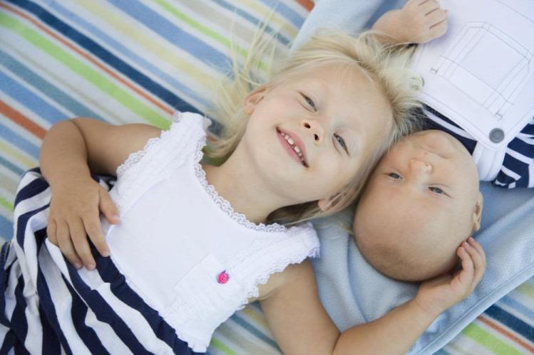 csecsemők testvér gyereknevelés