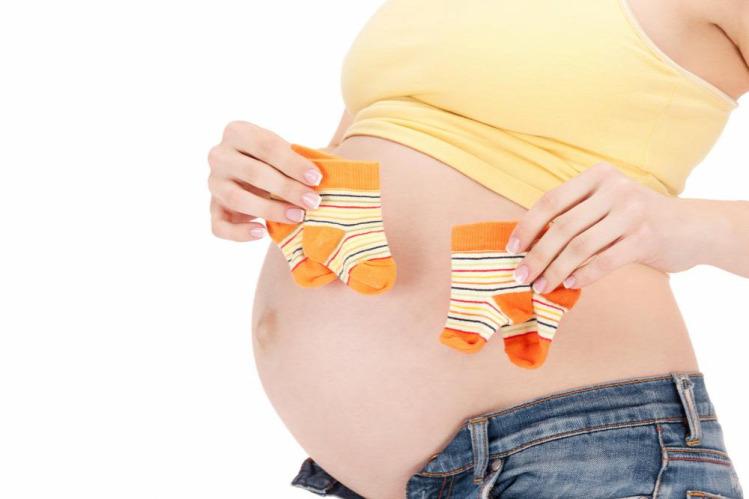 lolacska terhesség kismama ikrek