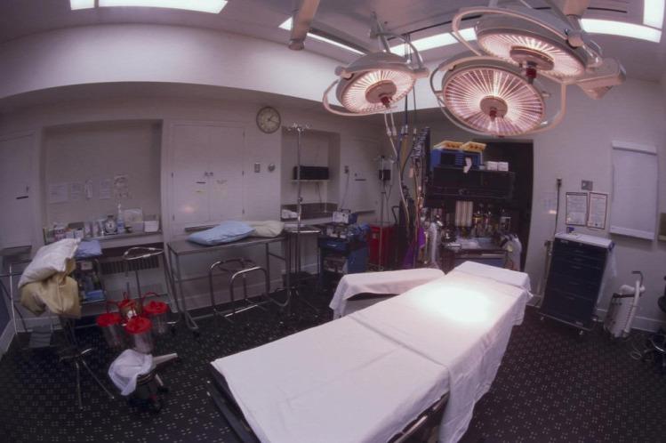 kórházteszt szülés császármetszés