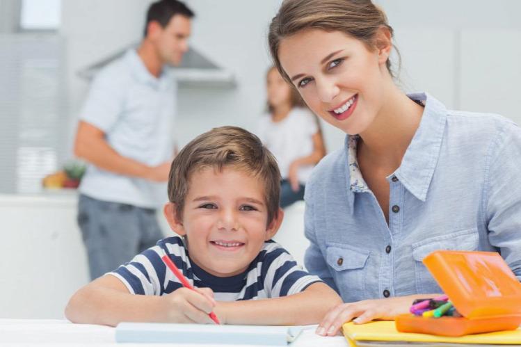 Tünde iskolások iskola gyereknevelés