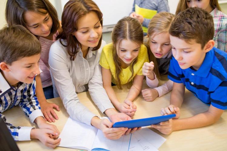 oktatás tanulás Sugata Mitra Budapest School tanár