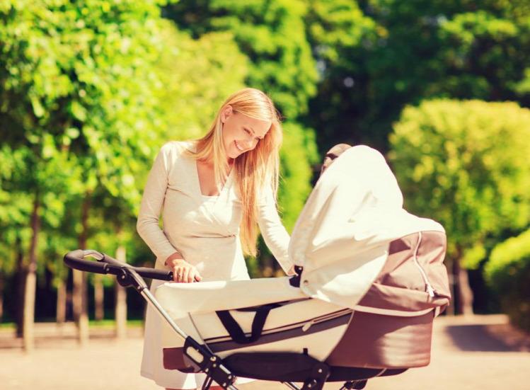 Vemhes Tevelány babakocsi terhesség kismama 900a26ab35