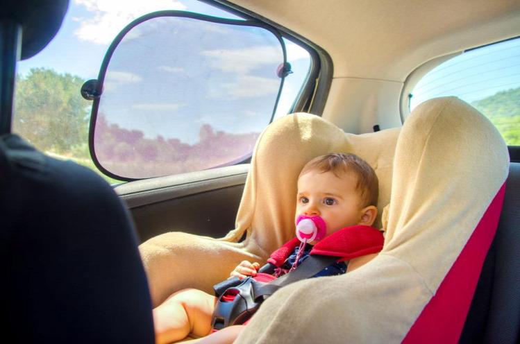 gyereknevelés vészhelyzet nyár gyerek az autóban Tünde