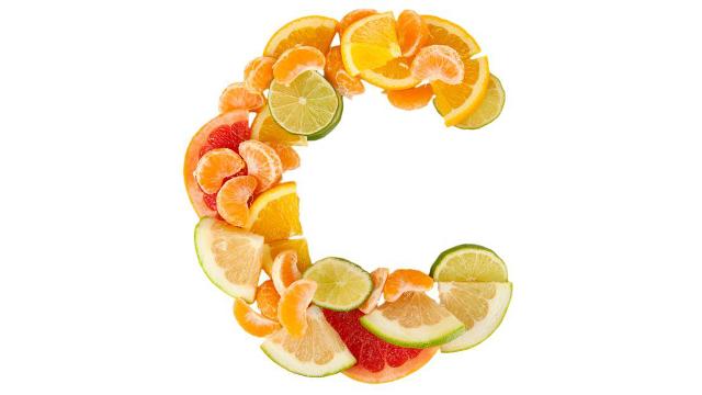 hajhullás koapszodás hajátültetés prp-terápia kezelés vitamin vitaminhiány C-vitamin citrusok citrom narancs zöldségek megfázás betegség hideg tél