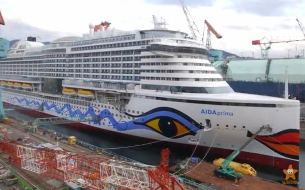 Time lapse hajó utasszállító óceánjáró építés Aida Prima Mitsubishi Nagaszaki szárazdokk