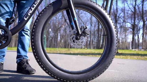kerék küllő láthatatlan bringa bicikli kerékpár