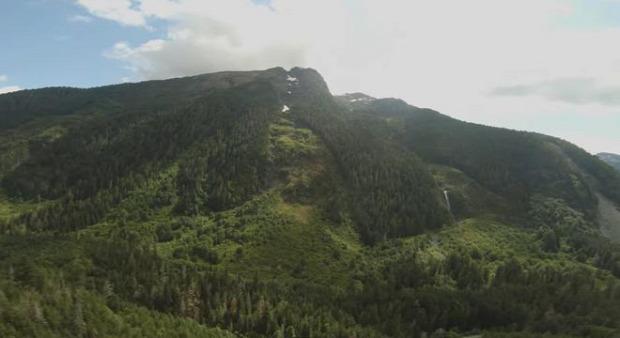 repülés  drón hegyek