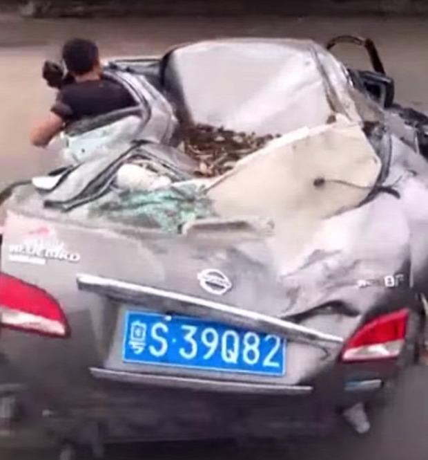 autó balaeset karambol összetört