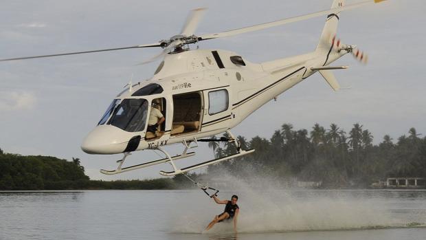 pilóta helikopter repülő extrém