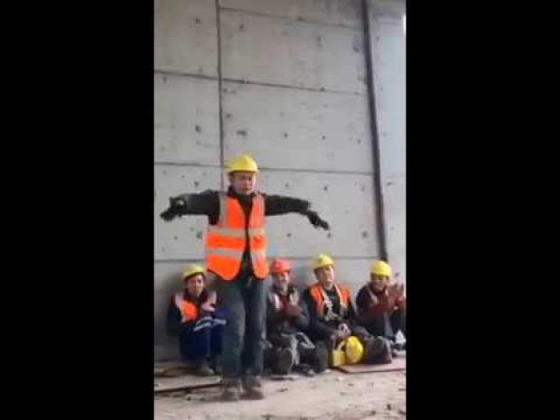 kínai munkás tánc