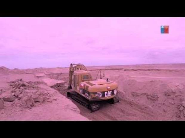 háború utépítés munkagép markoló bomaba akna harckocsi robban