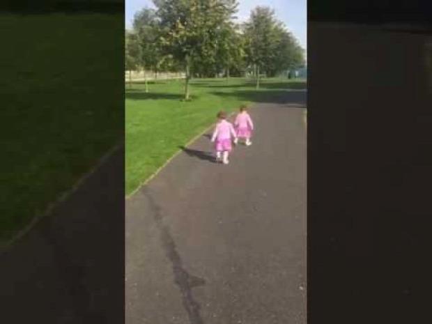 gyerek baba árnyék megijed