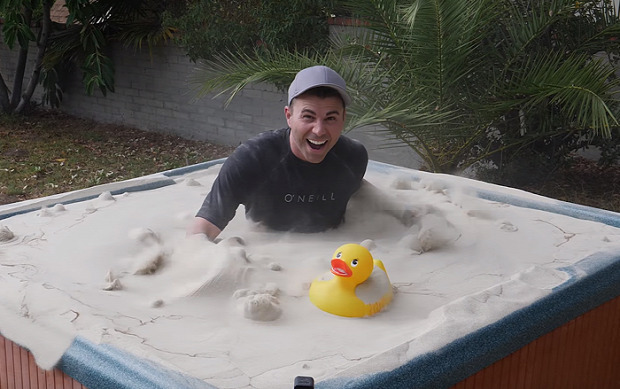 homok folyékony víz levegő