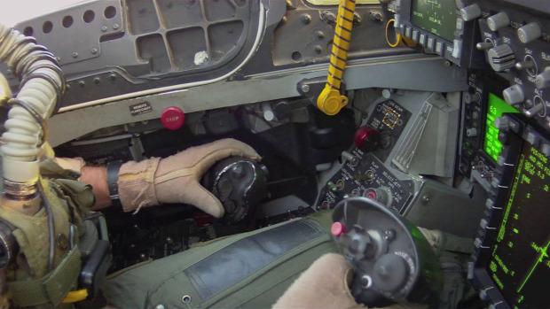 pilóta landolás hordozó kéz