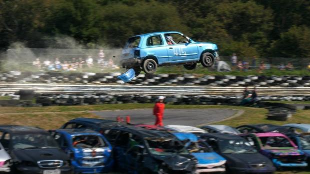 autó roncs ugratás verseny bemutató