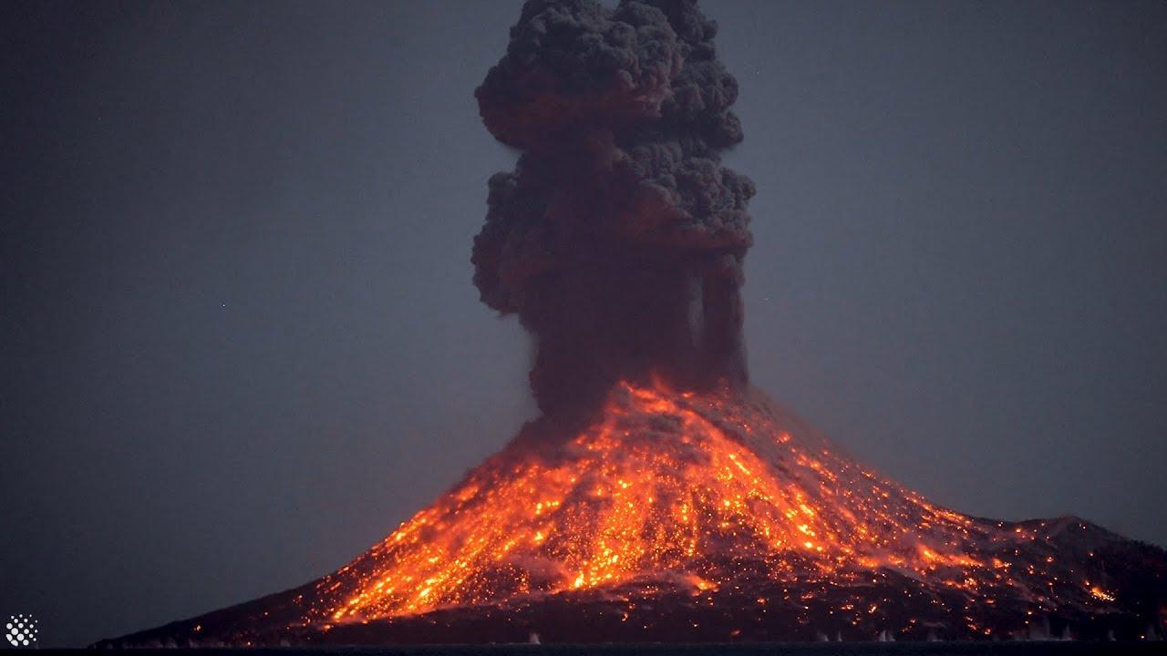 kratakau vulkán éjszakai  kitörés