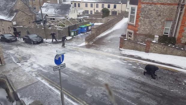 utca  eső jég ónos eső