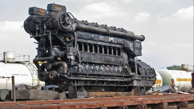 gép motor óriás