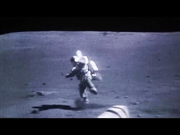 űrhajós  Hold esés gravitáció