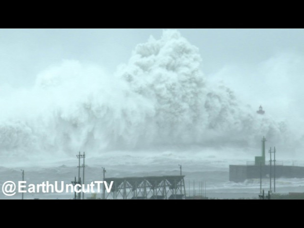 Tájfun Megi óriás hullám Taiwan