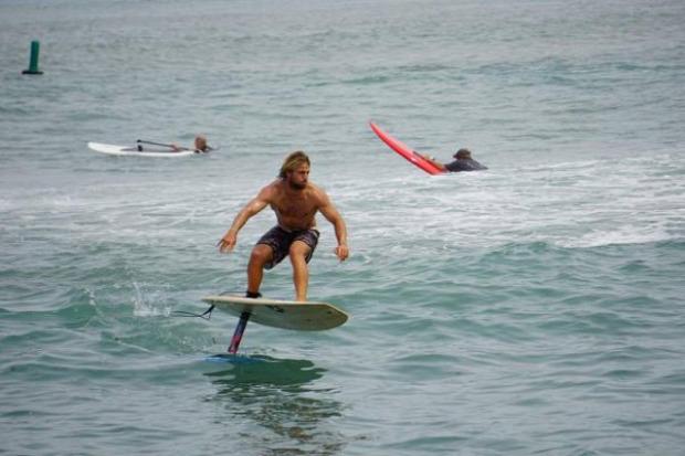 szörf  deszka szárny