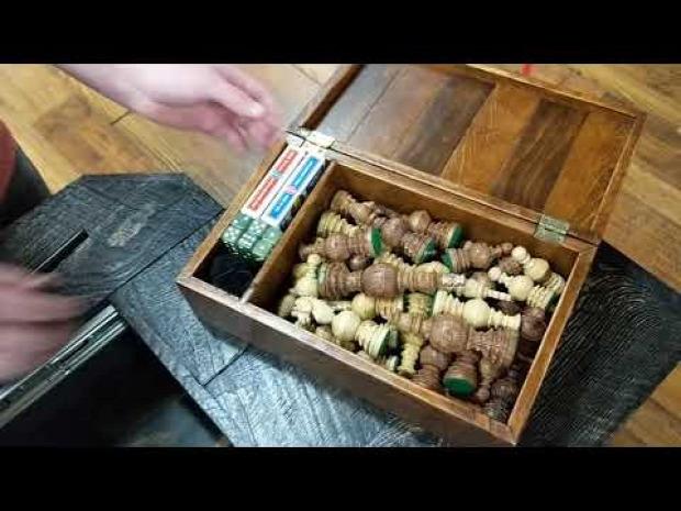 asztal dohányzó rejtekhely titkos fiók