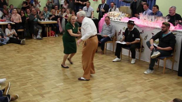 tánc verseny nyugdíjas boogie