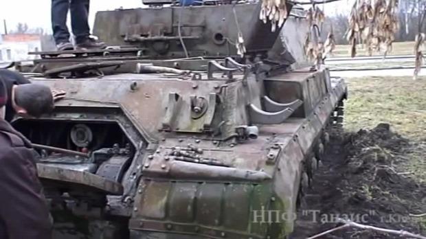 tank ukrajna orosz ISU-152