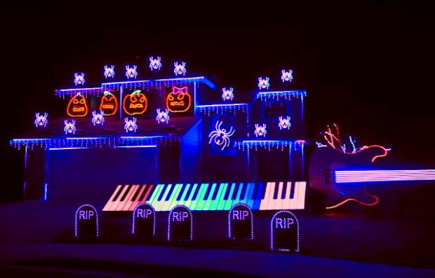 Halloween ház kivilágítás zene