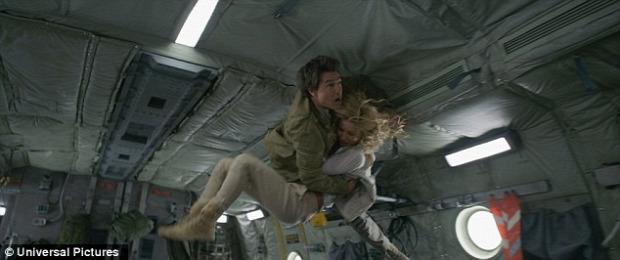 mozi film múmia Tom Cruise súlytalanság repülő