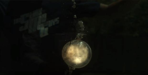 SLO-MO Guys víz alatti robbanás