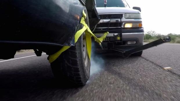 rendőrség autó bűnöző megállítás lasszó