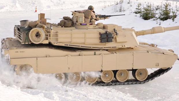 Tank Leopárd M1 Abrams driftelés jég hó USA norvégia