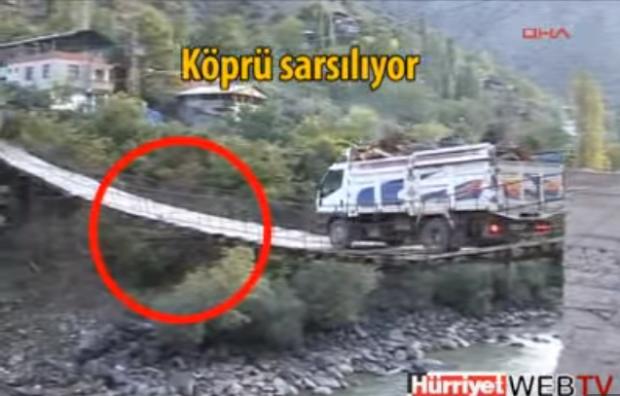 teherautó híd rozoga