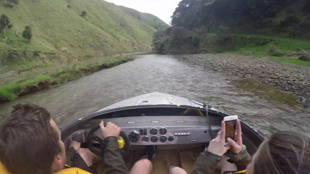 csónak verseny patak