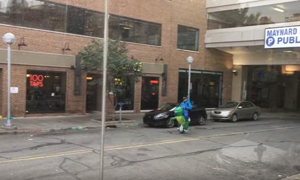 halloween elektromos rolle dinó T-Rex
