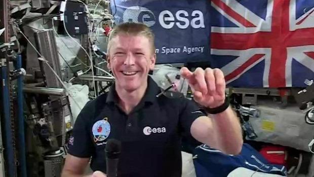 ISS  Nemzetközi Űrállomás bemutató súlytalanság pörgettyű