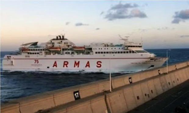 Las Palmas Gran Canaria komp kikötő móló ütközés