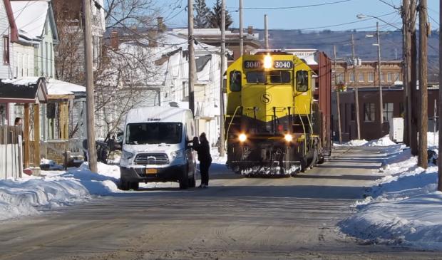 utca  dudálás mozdony