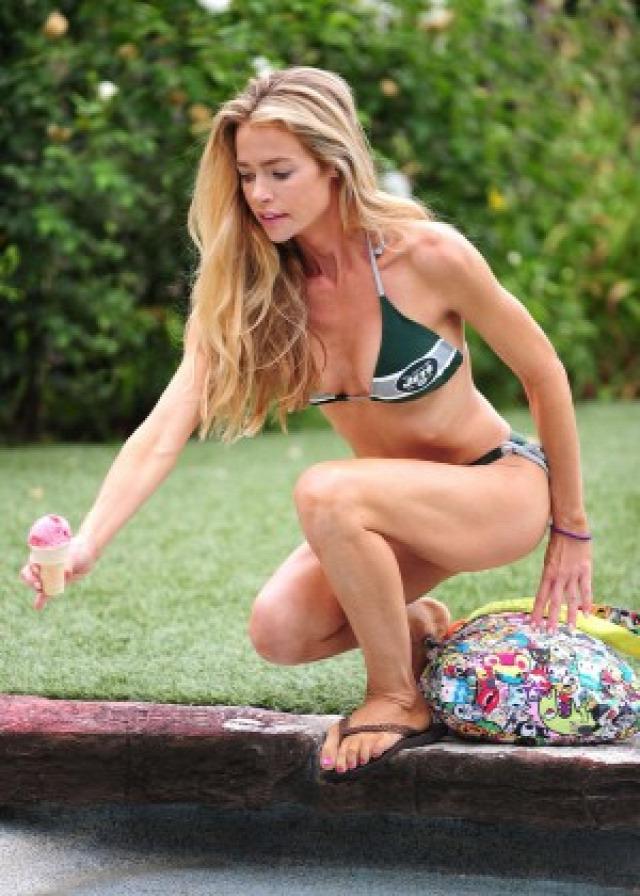 Denise Richards in Bikini -11