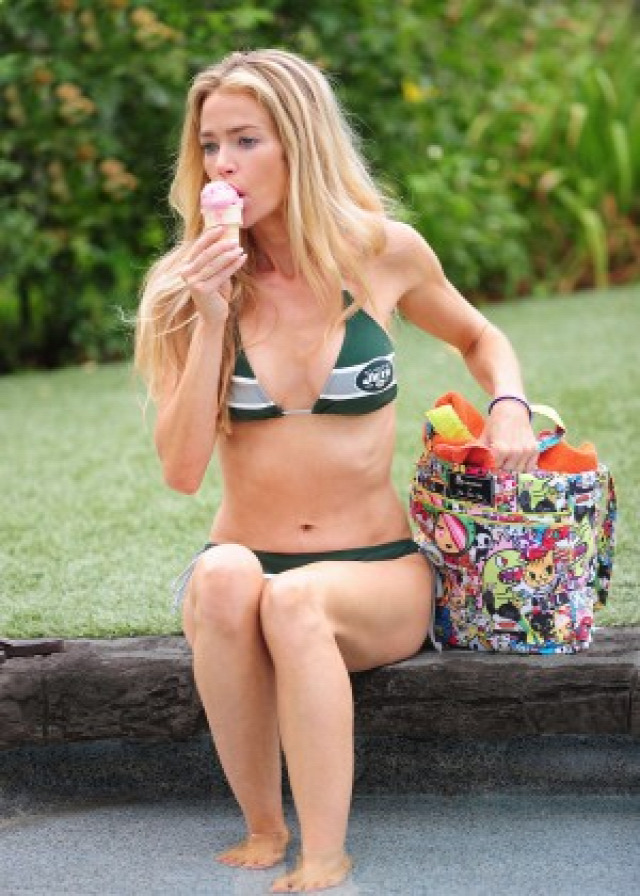 Denise Richards in Bikini -23