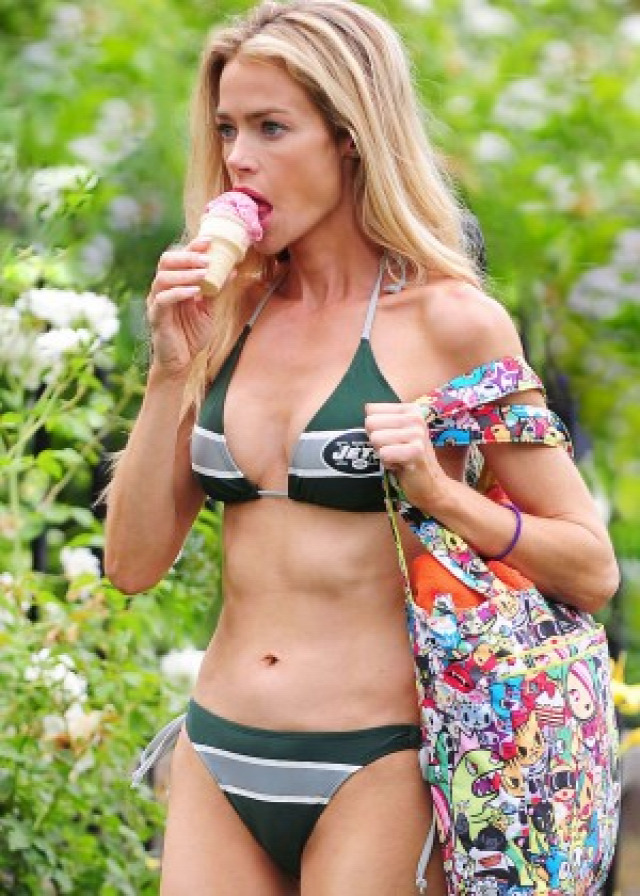 Denise Richards in Bikini -24