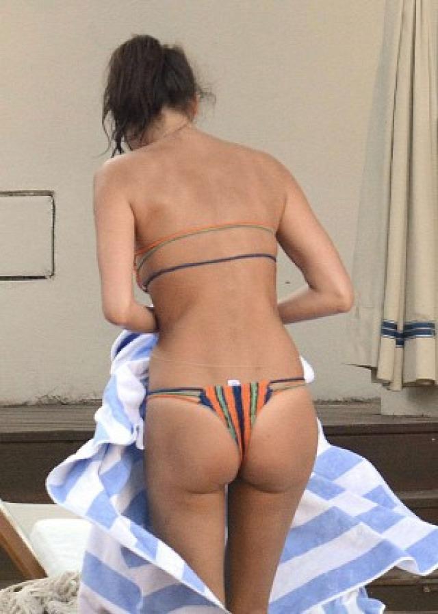 Irina Shayk in Bikini -26