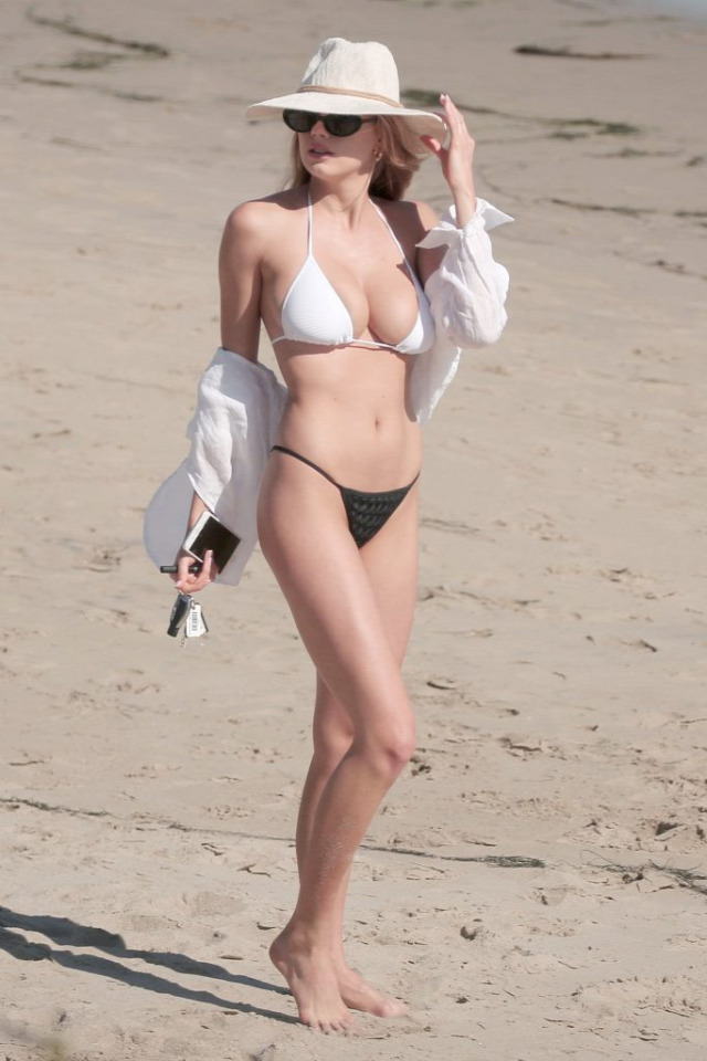 Charlotte McKinney Los Angeles Beach